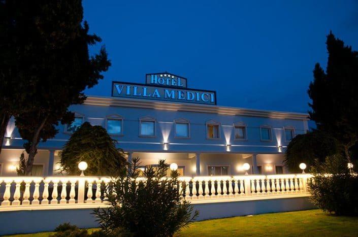 Esterno Hotel Villa Medici 4 stelle Abruzzo