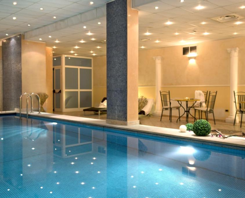 Piscina interna Area Relax Hotel 4 stelle Abruzzo